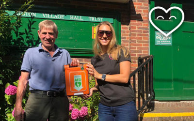 Keston Village Hall receive a defibrillator from CHT!